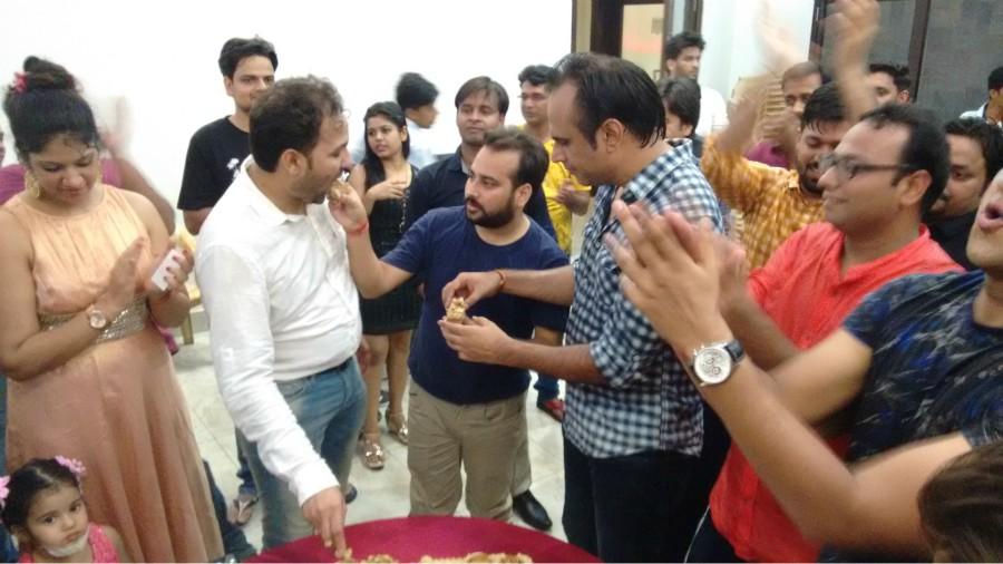 cake cutting ceremony